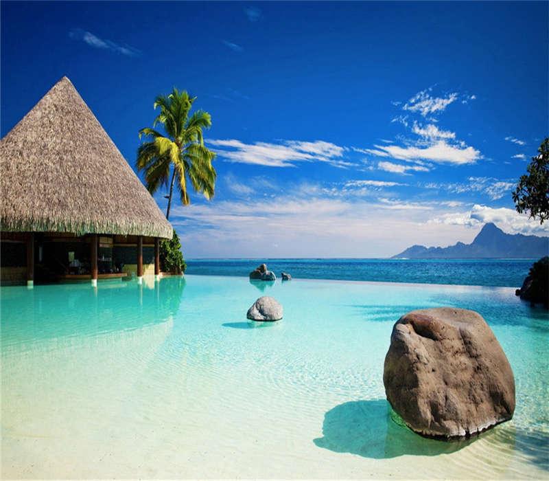 早餐后特别安排乘快艇前往【PP岛】,此岛被泰国观光局列为喀比府风景最美的国家公园,亦为欧美旅客最向往的渡假胜地。途经【燕子洞】,欣赏洞外奇观。早餐后乘快艇前往PP岛,这是一个被阳光眷念的地方,此岛被泰国观光局列为喀比府风景最美的国家公园,电影《海滩》在此拍摄后,再次掀起旅游热潮。这里海水清澈透底,各种海洋生物聚集在珊瑚礁附近,大家可尽情观赏海底世界,小PP岛巡游中特别为您安排。后乘快艇前往世外桃园【帝王岛】(國家珊瑚保護區海上 饮料无畅限饮,全国唯一海豚保护区之帝王岛,幸运时可见成群海豚跃出海面,追逐嬉